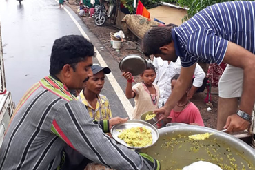 flood-relief-camp-anand-04-08-2019